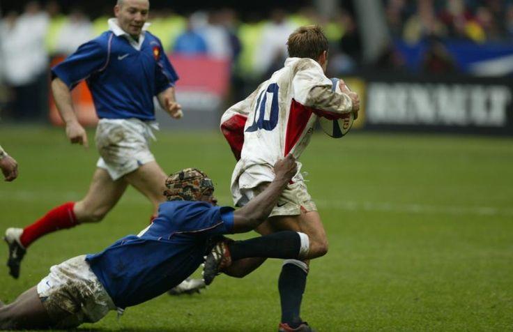 2002 : Betsen traque Wilko C'est l'histoire d'un troisième-ligne aile, Serge Betsen, décidé à empécher l'ouvreur anglais, Jonny Wilkinson, de jouer. Il y parviendra. Le XV de la Rose s'incline au Stade de France, 20-15. Ce jour-là, Wilko n'a passé aucun drop. (Fèvre/L'Equipe)