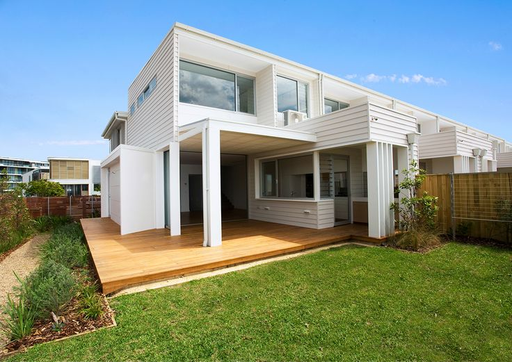 Modern, open and still private. A beautiful backyard entertaining area at Rockpool Terraces featuring #Scyon™ #Linea™ #weatherboard. #design #home #house #backyard #exterior