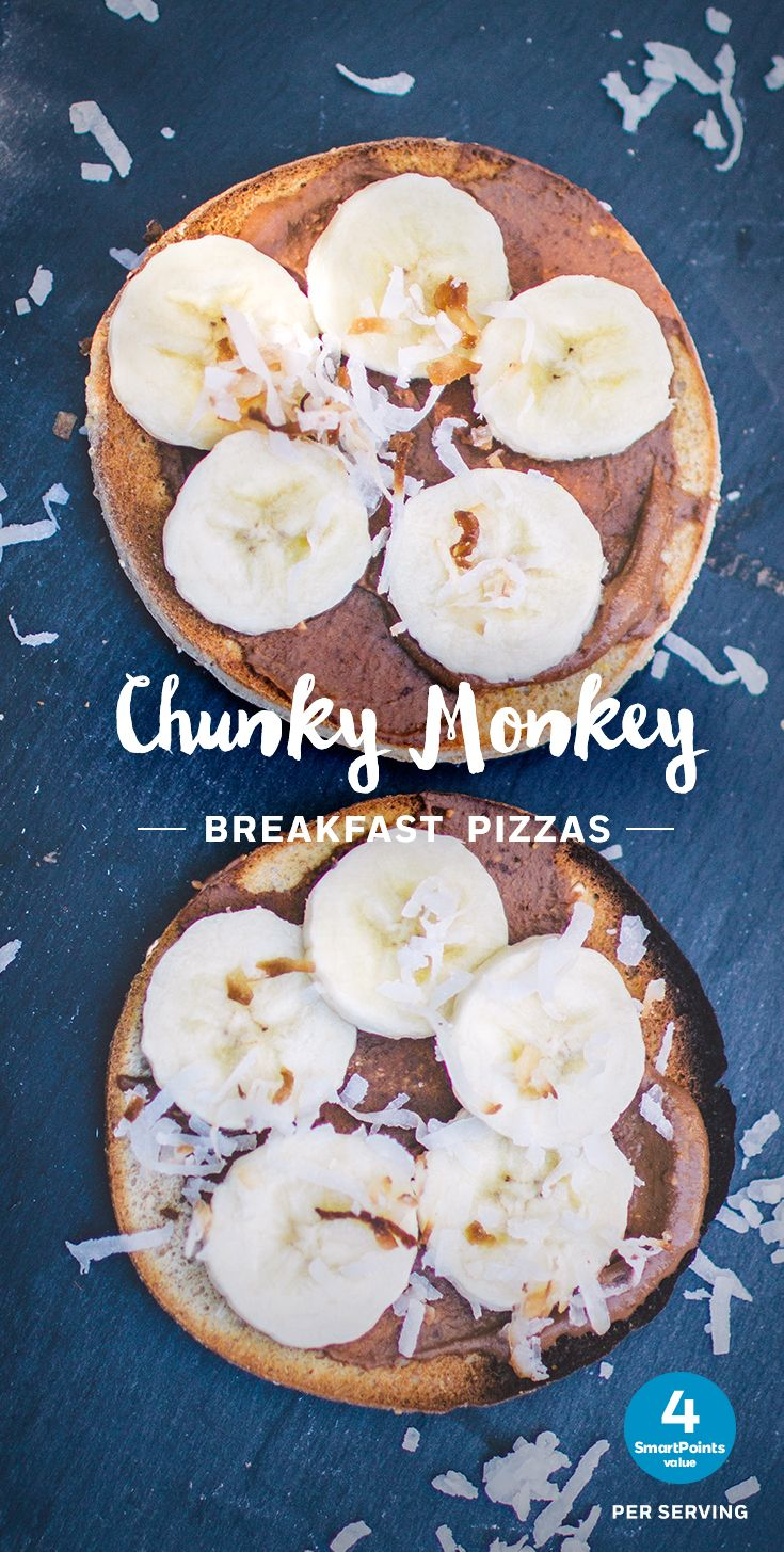Chunky Monkey Breakfast Pizzas make a sweet breakfast treat for just 4 SmartPoints. Double tap for the full recipe!