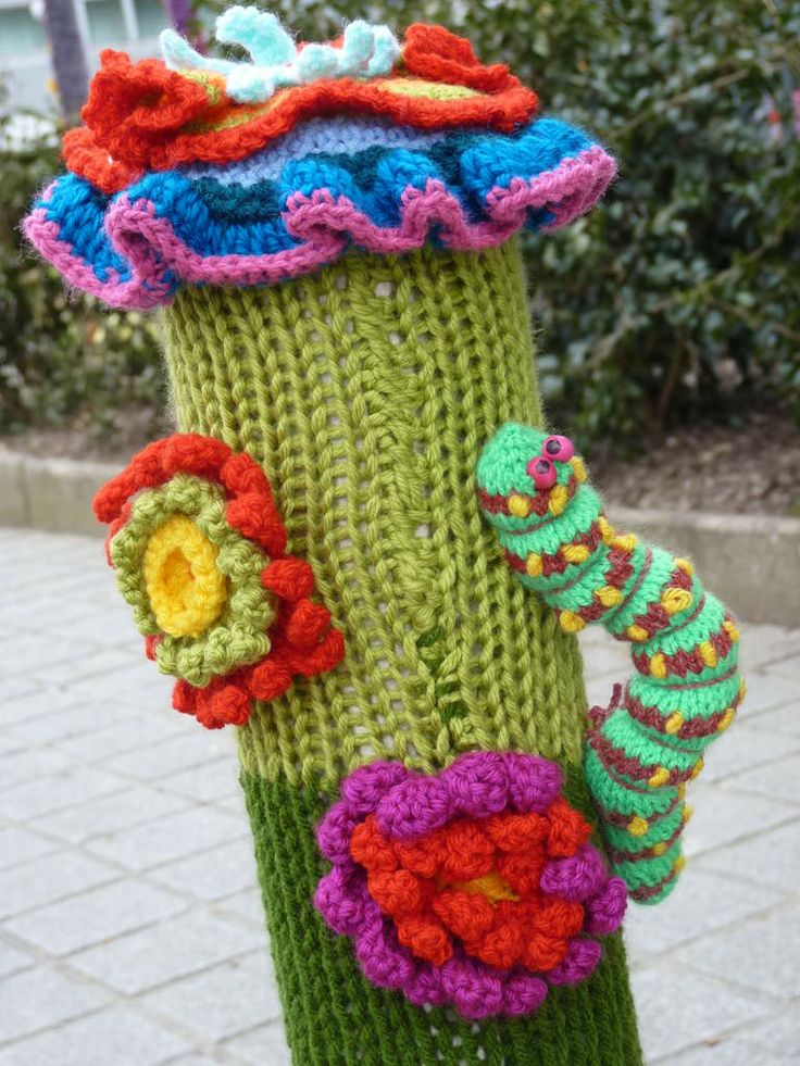 Guerilla Knitting Patterns : 558 best Knit & Crochet Urban Art images on Pinterest Yarn bombing, Art...