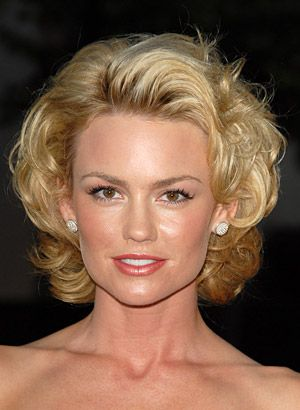 Kelly Carlson Hairstyles - August 1, 2006 - DailyMakeover.com