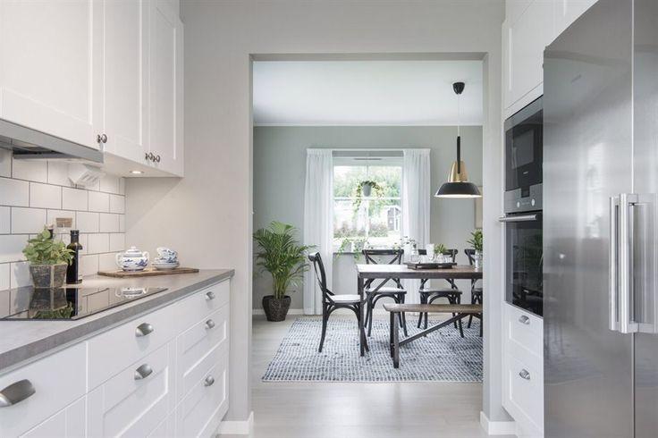 Studio vit | Ballingslöv LOCATION: 2-plansvilla i Nynäshamn