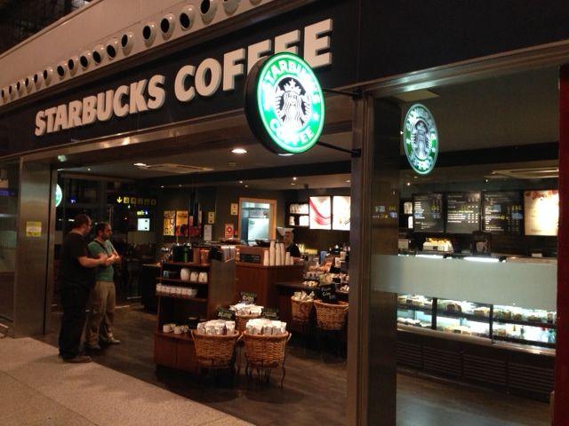 Iluminaci n led en cafeter a starbucks aeropuerto malaga - Iluminacion led malaga ...