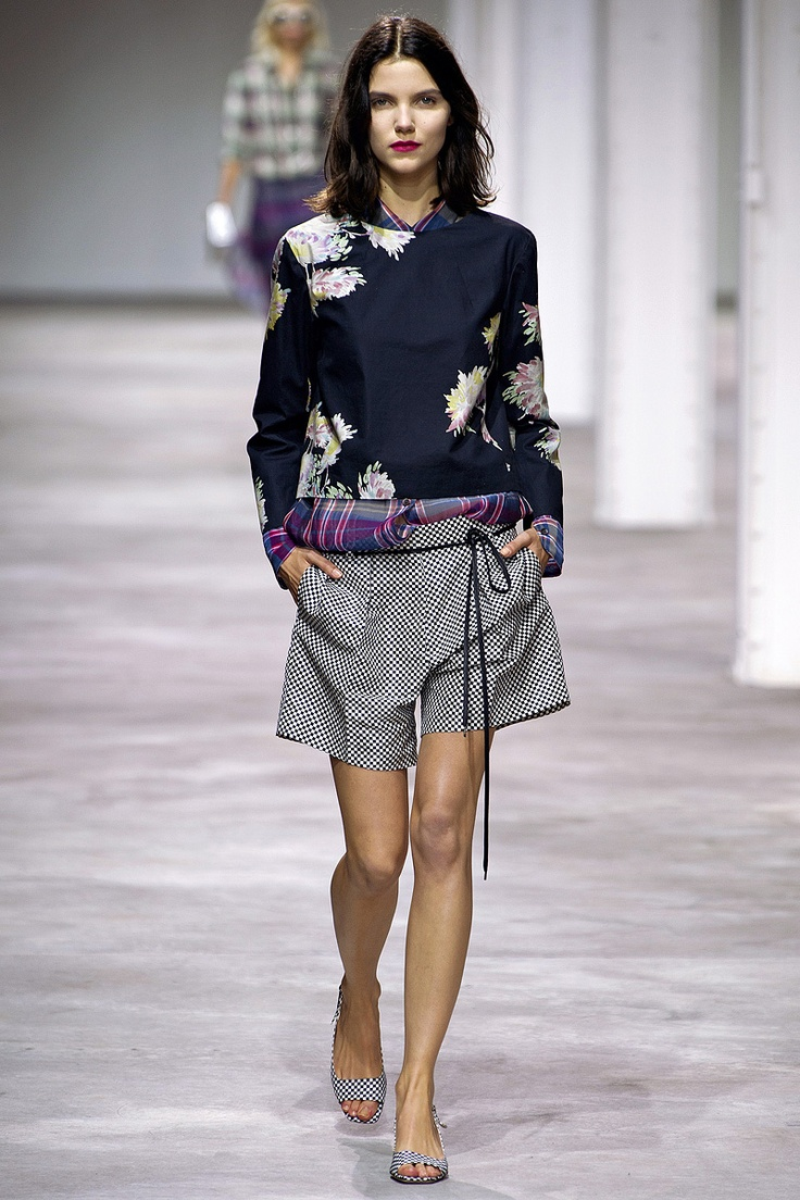 Dries Van Noten Spring 2013 RTW - Review - Fashion Week - Runway, Fashion Shows and Collections - Vogue - Vogue