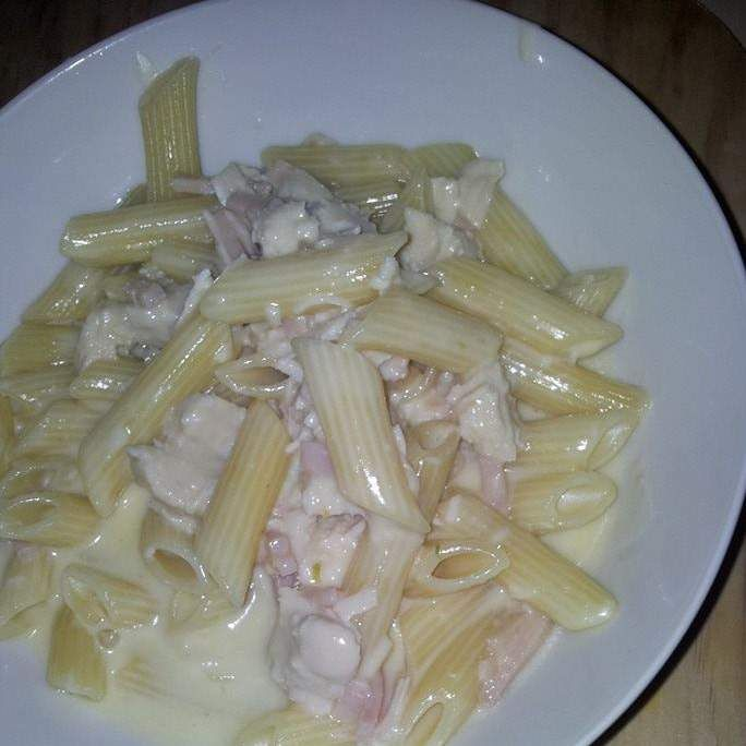 Recipe seriously creamy chicken and bacon fettucine by ambergreen - Recipe of category Pasta & rice dishes