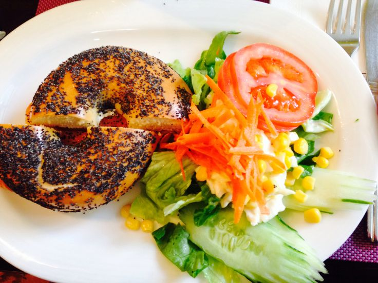 Bagel with salad