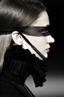 Gloria Coelho A/W 2007 #gothic princess