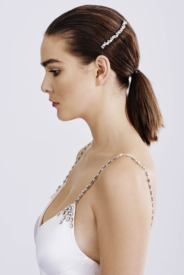 Bridal Accessories Savannah Comb and Deena Gown