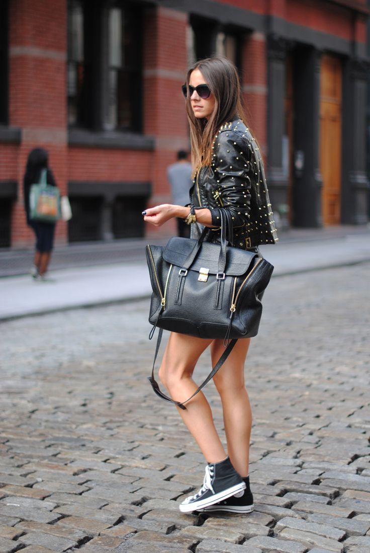 Jacket/Cazadora: Bershka, Shoes/Zapatos: Converse, Shorts: Zara, Top: Uterqüe, Belt/Cinturón: Mango,  Bag/Bolso: Phillip Lim, Bracelet/Pulsera: Bimba y Lola, Ring/Anillo: Uterqüe, Sunglasses/Gafas: Uterqüe