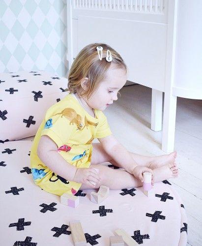 Powder pink play mat with black crosses. EXTRA soft, modern scandinavian design.