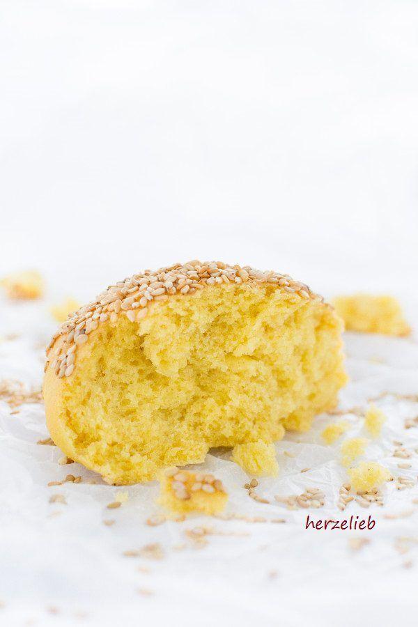 Brot-Rezepte: Gyldne Boller sind goldgelbe, dänische Brötchen. Rezept von herzelieb #Dänemark