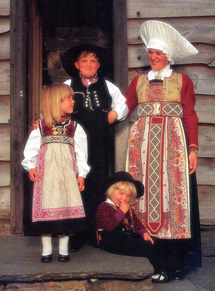 Hello all,   Today I will cover the last province of Norway, Hordaland.  This is one of the great centers of Norwegian folk costume, hav...  Fusa