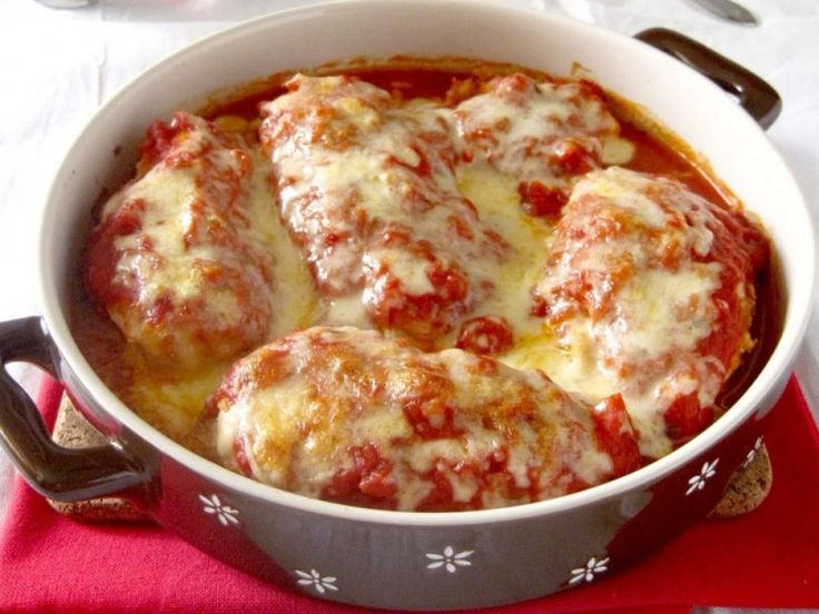 Θεικό κοτοπουλο στο φούρνο με σάλτσα και παρμεζάνα - Daddy-Cool.gr