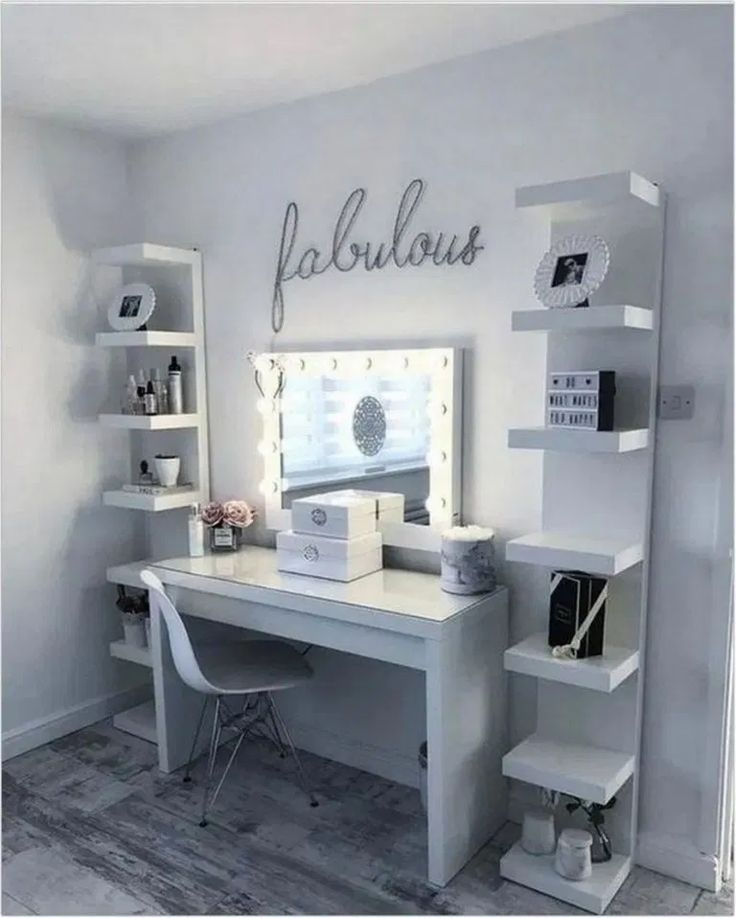 44 Makeup Room Decor To Brighten Your Morning Routine  #makeup #makeuproom #decor #bedroomdecor | fikriansyah.net