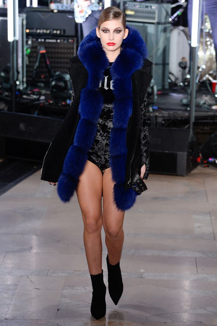See the complete Philipp Plein Fall 2017 Ready-to-Wear collection.