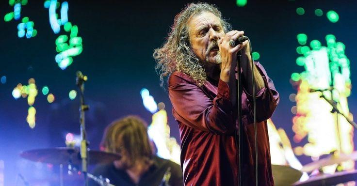 O veterano Robert Plant, ex-vocalista do Led Zeppelin, deu início à sua apresentação no Lollapalooza Brasil, por volta das 18h20 deste sábado. Apesar de as caixas de som estarem chiando no início do show, o cantor faz um grande show, focado principalmente em clássicos de sua antiga banda.