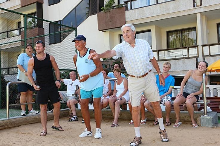 Enjoyina a game of bowls. beim Boulen entspannen im Spring Hotel Bitácora Tenerife