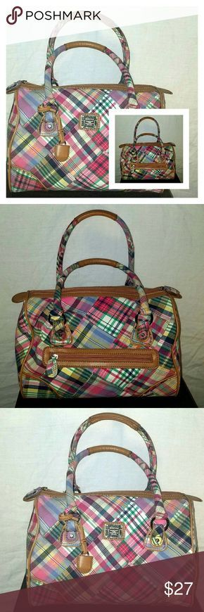 Stylish Liz Claiborne Plaid Purse Cute Liz Claiborne Purse Like New- No wear or tears on the purse Plaid Details Measurements: 12 inches width & 8 inches length Liz Claiborne Bags Mini Bags