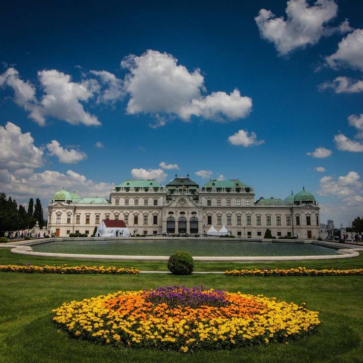 Belvedere - a Baroque palace in Vienna, Austria.  #baroque #whenyoureoutofmonet #historypuns #ohbelvedere #comehereboy #looneytunes #vienna #austria #österreich #belvedere #palace #discoveraustria #eurotrip #solotravel  #instatravel #insta #travelgram #travel #wanderlust #canon #70d http://tipsrazzi.com/ipost/1524856630956445380/?code=BUpYQbdjs7E