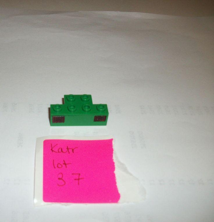 > > > $11.20 < < < #EBAY #LEGOTRAINS LEGO Green Light Guide Casing 2928 2919 4SET 7898 4512 7897 10001 4565 4559 4561