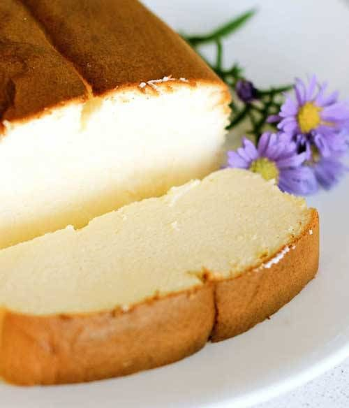 Recipe for Japanese Cheesecake - You'll love it if you are a fan of lighter, springy cakes. I also love this version because it calls for less eggs than most recipes for Japanese cheesecakes! Beware though, it is likely that you'll have the whole loaf to yourself in one sitting!