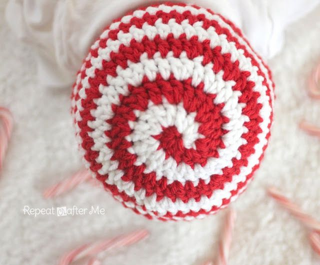 Crochet Candy Cane Hat Pattern - Repeat Crafter Me