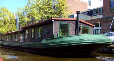 House boat 4