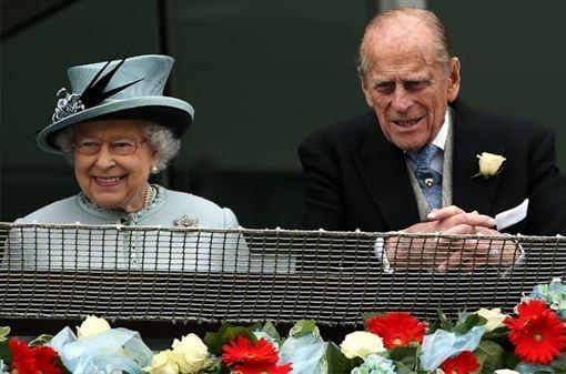 El Duque de Edimburgo pasará su 92 cumpleaños ingresado  http://www.europapress.es/chance/realeza/noticia-duque-edimburgo-pasara-92-cumpleanos-ingresado-20130607133859.html