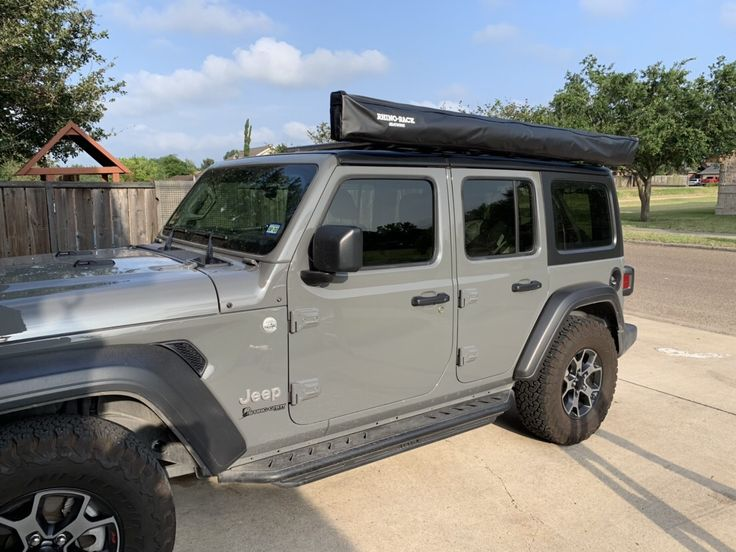 Installed my Rhino Rack Batwing Awning. http//myjlproject