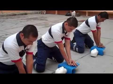 Enseña Cruz Roja primeros auxilios.mp4 - YouTube