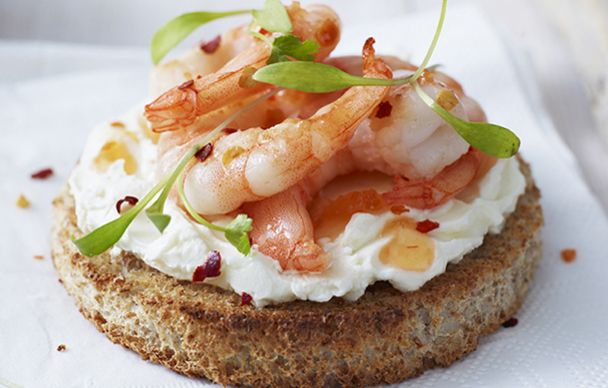 http://www.cheeseboardmagazine.co.uk/recipes/prawn-philly-and-sweet-chilli-appetiser.php