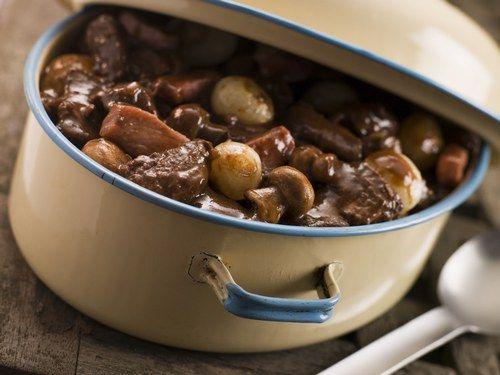 Daube de boeuf : recette de daube de boeuf - Recette classique - Cuisine française : recettes des grands classiques