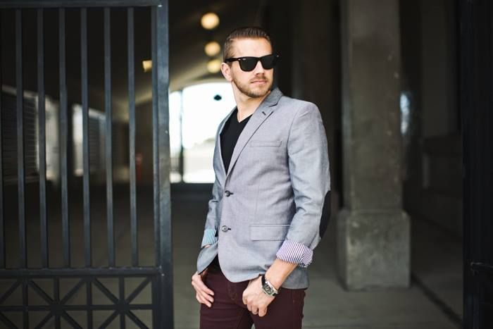 Being well-dressed influences other people to see you as competent, capable, and smart, as well as helping you feel more confident about yourself. ‪#‎welldressed‬