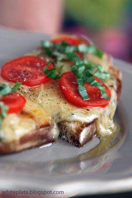 Grzanki z serem raclette