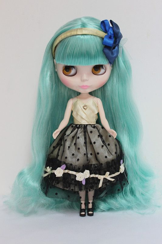 Blyth doll,with light-green hair,can changed into dark or transparent skin, and to jointed doll or other hair