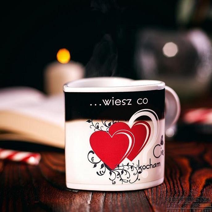 Zaskakujący Kubeczek - Kocham Cię. Magiczny kubek zmieniający się pod wpływem ciepła.