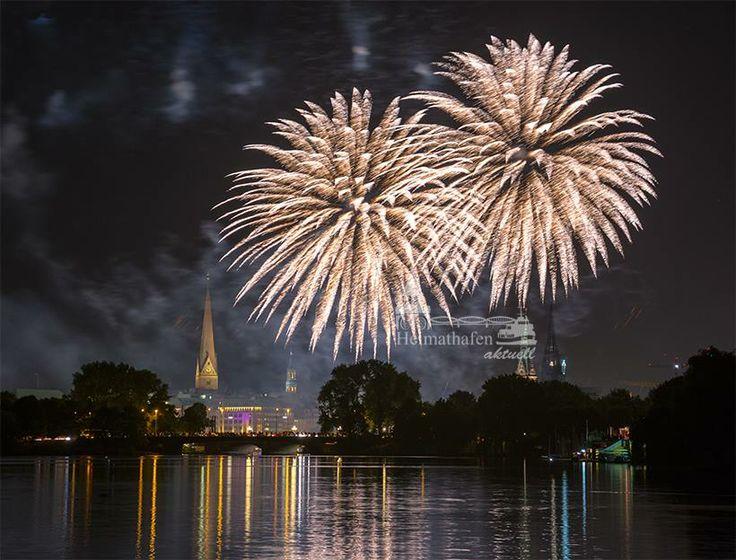 Amazing Feuerwerk an der Alster hamburg alster firework heimathafen aktuell