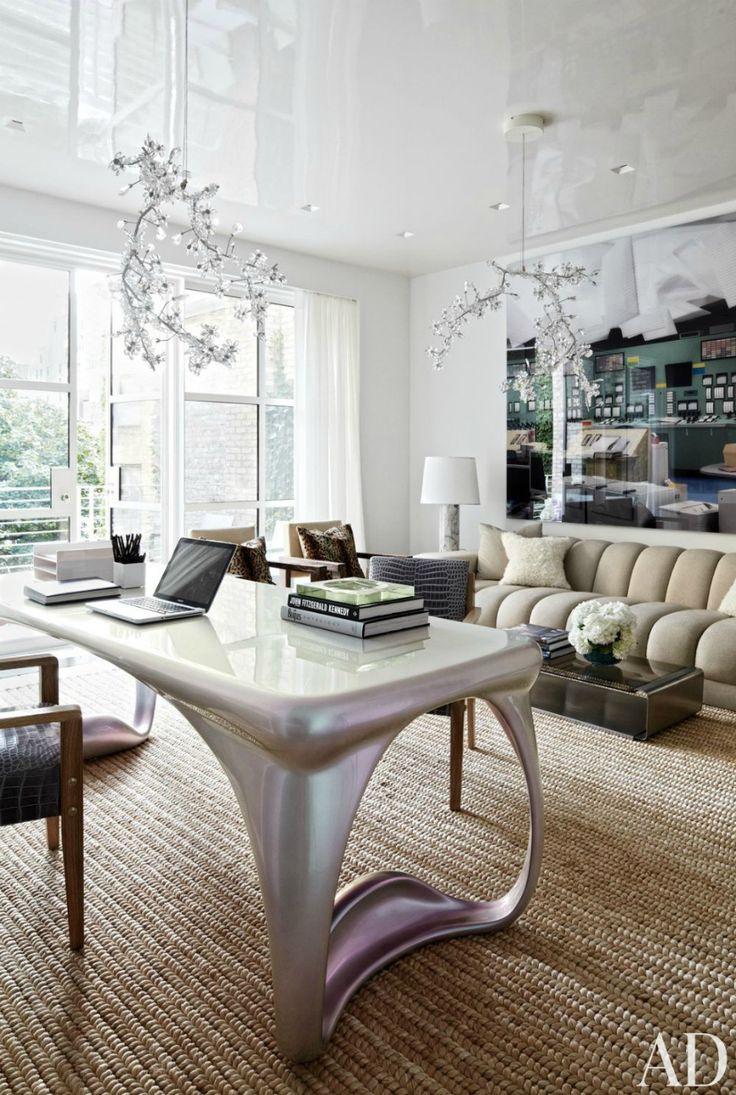 A beautiful, organized office has a great impact on your motivation to work, don't you agree? | Modern Sofas #modernsofas #officesofa #velvetsofa See more: http://modernsofas.eu/2016/04/11/inspired-offices-beautiful-modern-sofas/