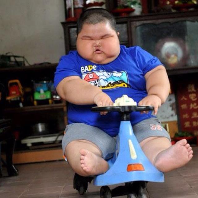 Смешные картинки толстый мальчик, открытки