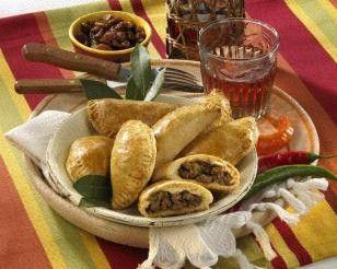 Empanadas (Gefüllte Teigtaschen )