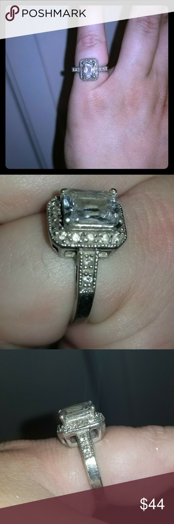 💍Gorgeous 925 Silver Dimond Ring💍 Size 7 woman's diamond ring. Could use a nice cleaning.  Marked ATT China 925.    Bundle 2 or more items & Save 15%  Fast shipper / Top rated seller / Posh Ambassador 💪🌻❤ Pretty~Vibe~Finds Ann Taylor Jewelry Rings
