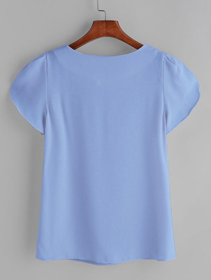 Blusa de chifón de mangas cortas  blouse170403106_1 blouse170403106_1  blouse170403106_2 Blusa de chifón de mangas cortas. Espalda