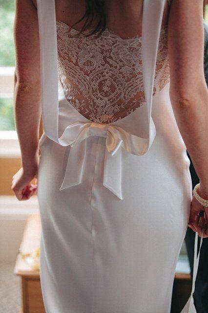 David Fielden 4022 wedding dress lace back ivory size 6/8 for sale