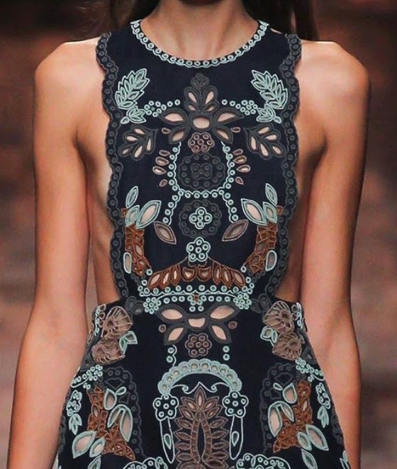 patternprints journal: PRINTS, PATTERNS AND SURFACE EFFECTS: BEAUTIFUL DETAILS FROM PARIS FASHION WEEK (WOMAN COLLECTIONS SPRING/SUMMER 2015) / Valentino
