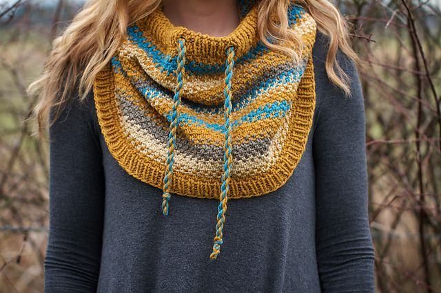 Ravelry: Rooted pattern by Chelsea Berkompas | Cowl or capelet