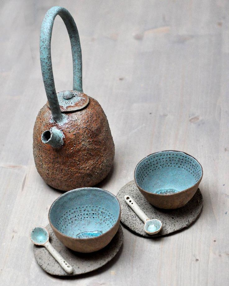 #pottery #ceramic #ceramics #pinchpots ##teapot #cups #spoon #plate #teatime #tableware ##handmade #lovemyjob #trilukne #CRTakeover