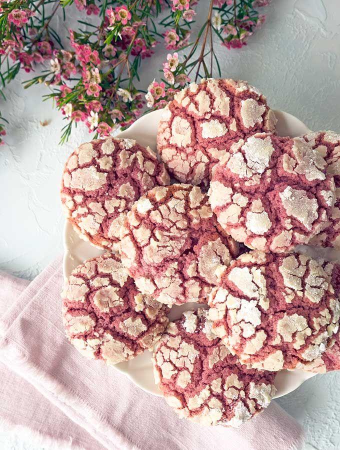 Ruby Chocolate Crackle Cookies sind knusprige Kekse …   – Cookies!
