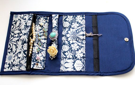 Portable  navy Floral Jewellery Holder! Great For Travelling.