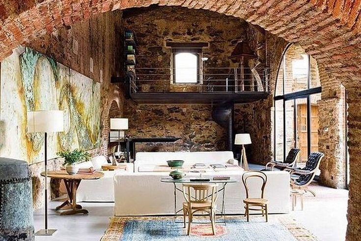 Загородный дом в средневековом деревенском стиле http://goodroom.com.ua/mag/dom-ispanskogo-dizajnera-v-srednevekovom-derevenskom-stile/