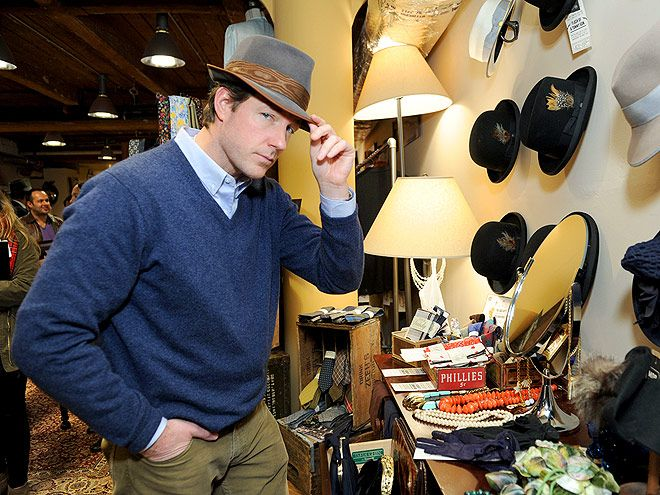 Star Tracks: Tuesday, December 3, 2013 | CAPPING IT OFF | Looking sharp! Ed Burns tries on a fancy topper Monday night while visiting Mickey's Haberdashery in New York City to promote his upcoming TNT series, Mob City.